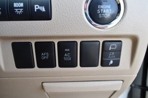 AFS、AC電源、電動格納ミラースイッチ