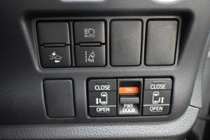 トヨタセーフティーセンス・両側電動スライド