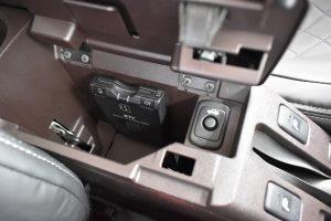 コンソールボックス、ETC、トランクオープナー