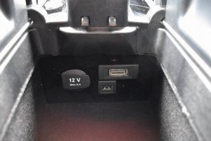 USBポート・パワーアウトレット
