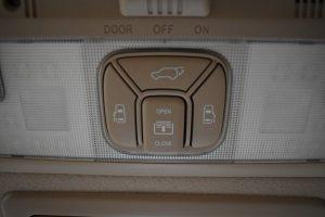パワーバックドア・電動スライドドア・サンルーフスイッチ