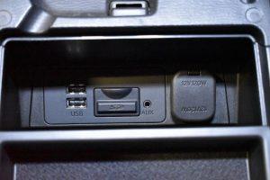 USBポート・AUX・地図SD・パワーアウトレット