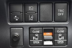 ToyotaSafetySense・TRCOFF・両側電動スライドドア