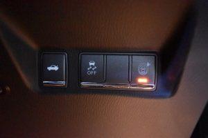 トランクオープン・横滑り防止・LDW(車線逸脱警報)