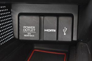 パワーアウトレット・HDMI・USB