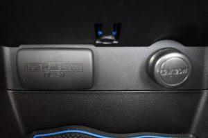 USB・12Vパワーアウトレット
